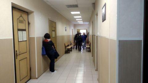 В коридоре суда