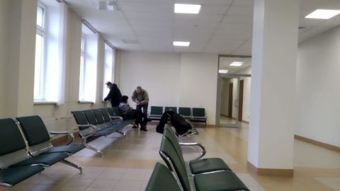Фото в коридоре суда